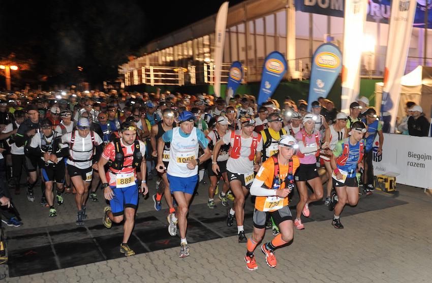 Start Biegu 7 Dolin (100km) - godzina 3.00 rano