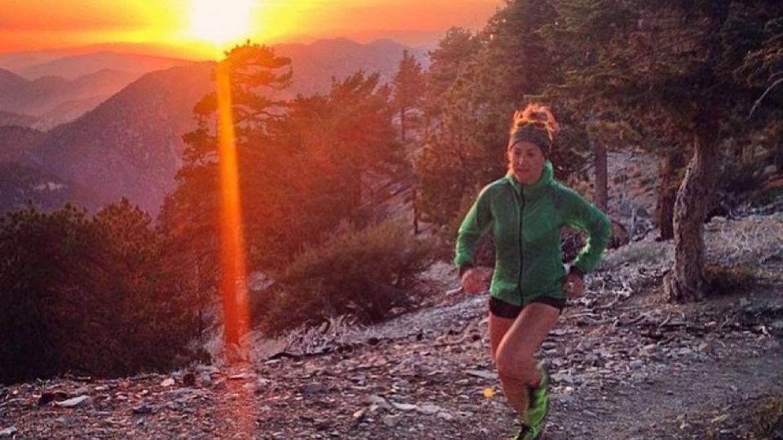 Czym jest kolka w bieganiu i jak sobie z nią radzić? Porady dla biegaczy