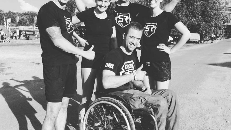 Wielka motywacja! Wywiad z Grzegorzem Płonką, niepełnosprawnym zawodnikiem, który ukończył morderczy Survival Race!