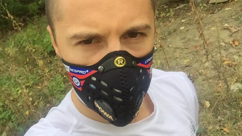 Maska antysmogowa do biegania – Biegowy Sprzęt Tygodnia #1