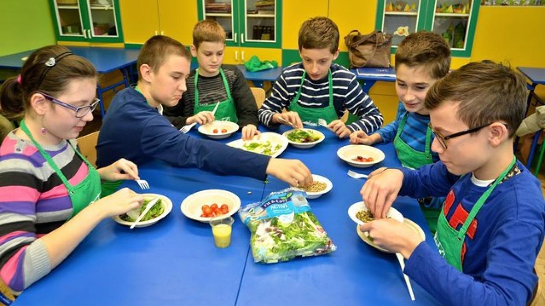 """Ruszają warsztaty żywieniowe dla dzieci """"W Zielonej Krainie"""". Budujmy świadomość żywieniową poprzez zabawę!"""
