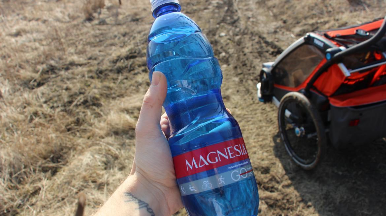 Woda i jej właściwości. Nawodnienie w treningu