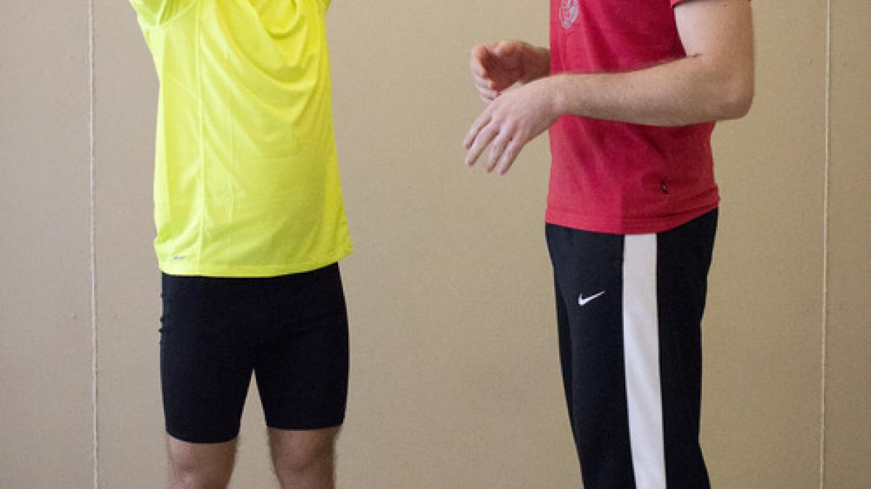 Rozciągnięcie mięśnia trójgłowego łydki - ćwiczenie