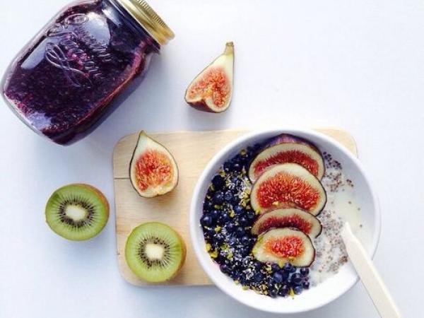Co jedzą weganie? Podstawy diety roślinnej!